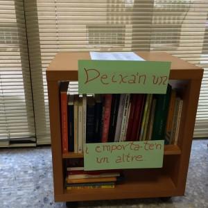 Moble llibres