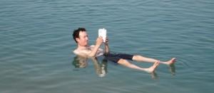 Reading-in-the-sea-e1324567997864