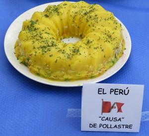 Primers i segons plats · Pastís de patata farcit de pollastre i verdura · María Cano_petita