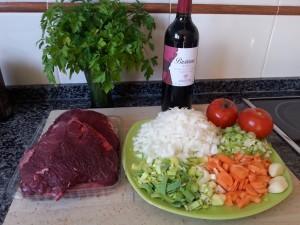 Primers i segons plats · Galtes de vedella guisades amb vi negre · María J. Muñoz i Curiel